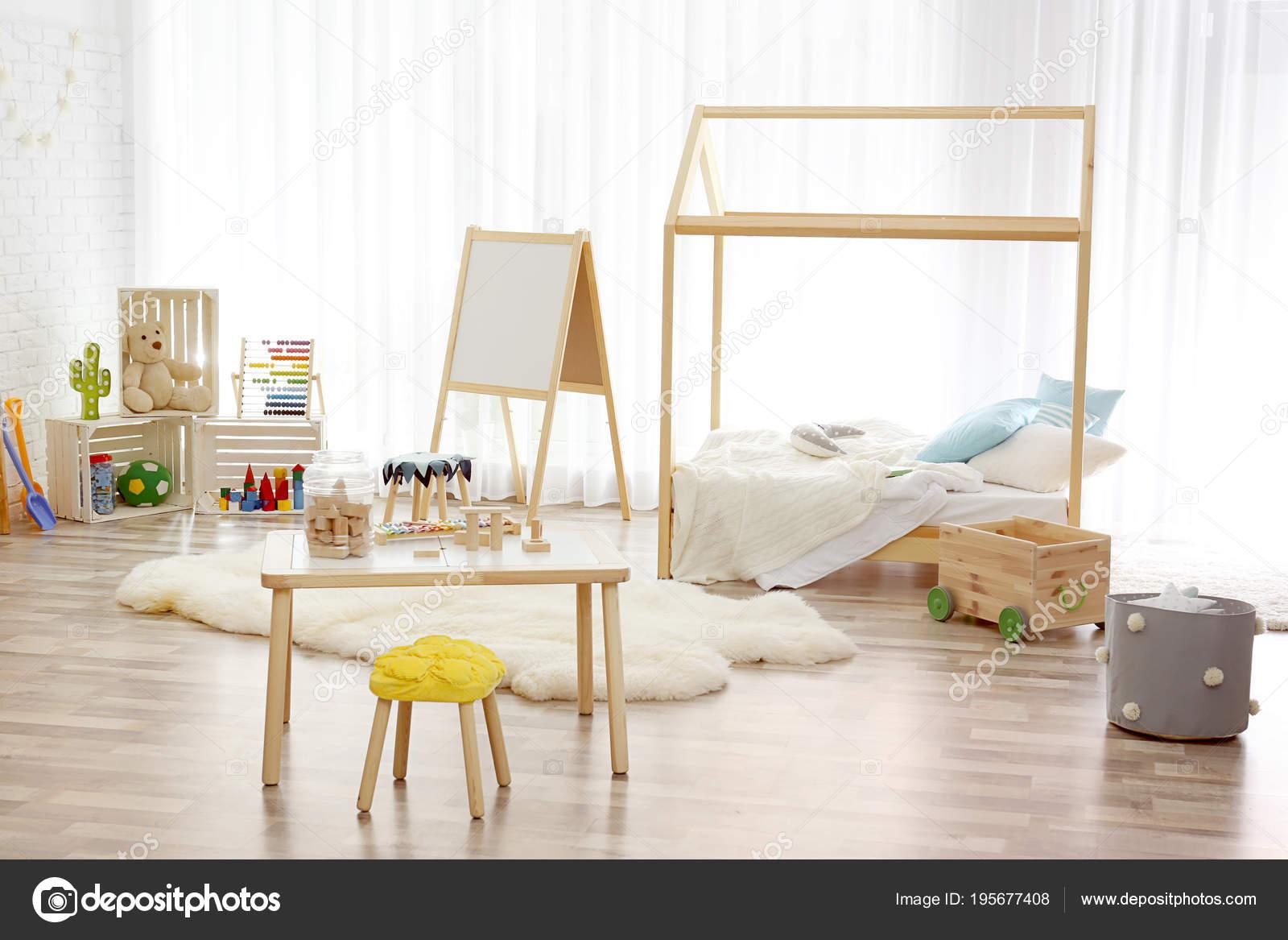Réglage intérieur de chambre enfant moderne. Idée de ...