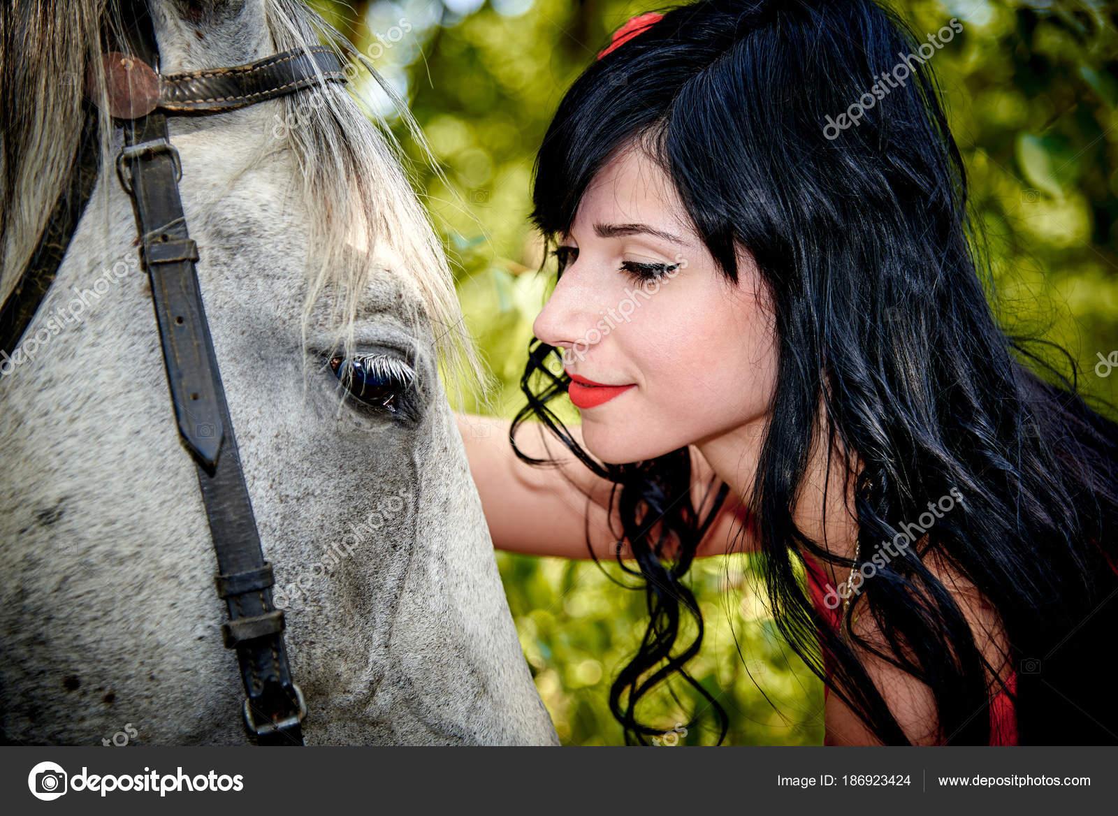 Amour fille avec animal [PUNIQRANDLINE-(au-dating-names.txt) 64