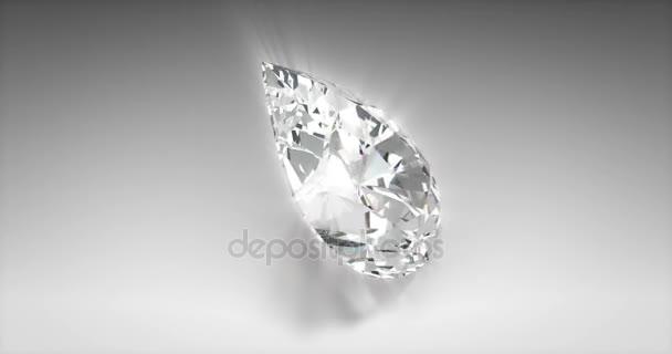 Körte-vágott gyémánt
