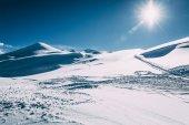 Fotografie krásné zimní zasněžené hory na slunečný den, lyžařského areálu mayrhofen, Rakousko