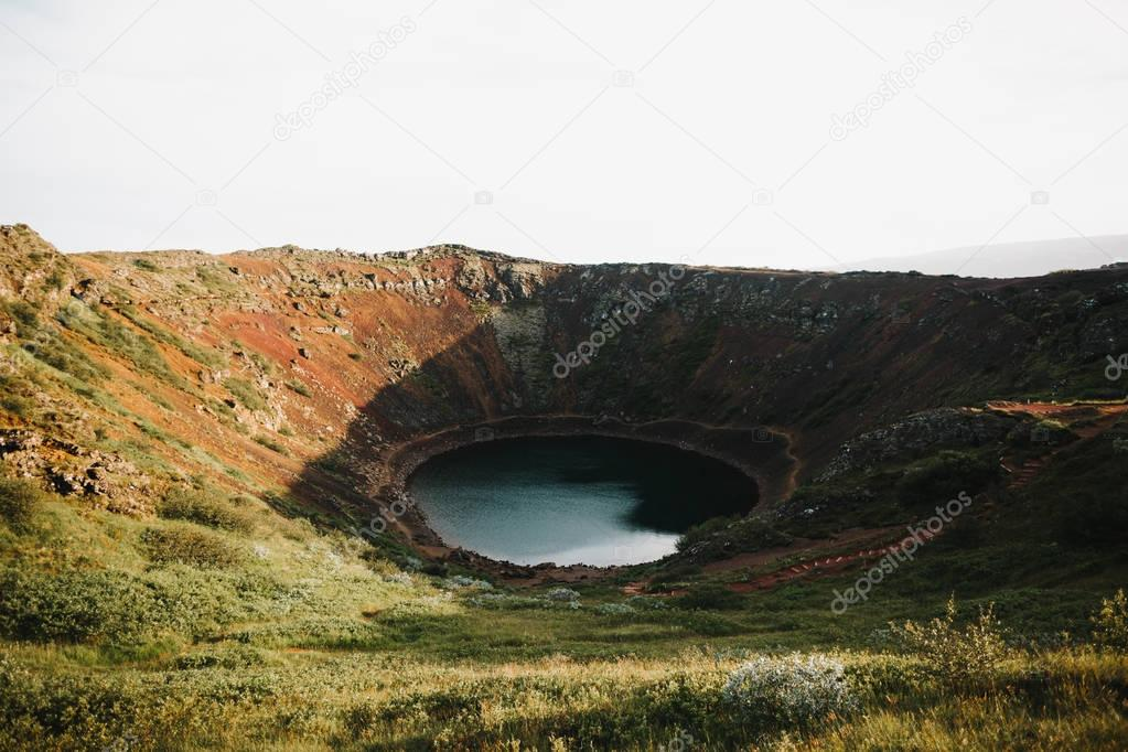 Фотообои volcanic lake