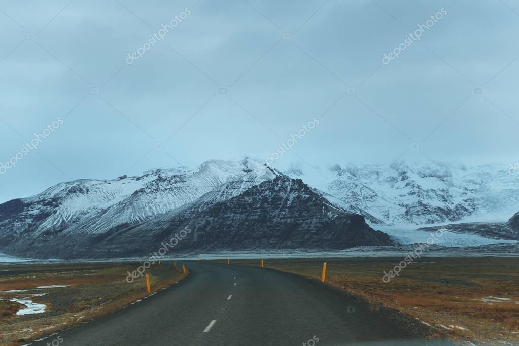Фотообои пустая дорога