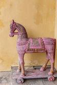 fából készült ló