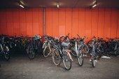 Fotografie Geparkte Fahrräder