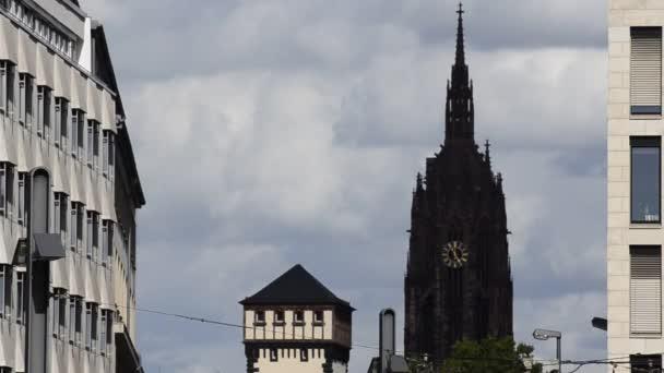 Frankfurt am Main, Deutschland, August 2019. Dom in der Altstadt, Video