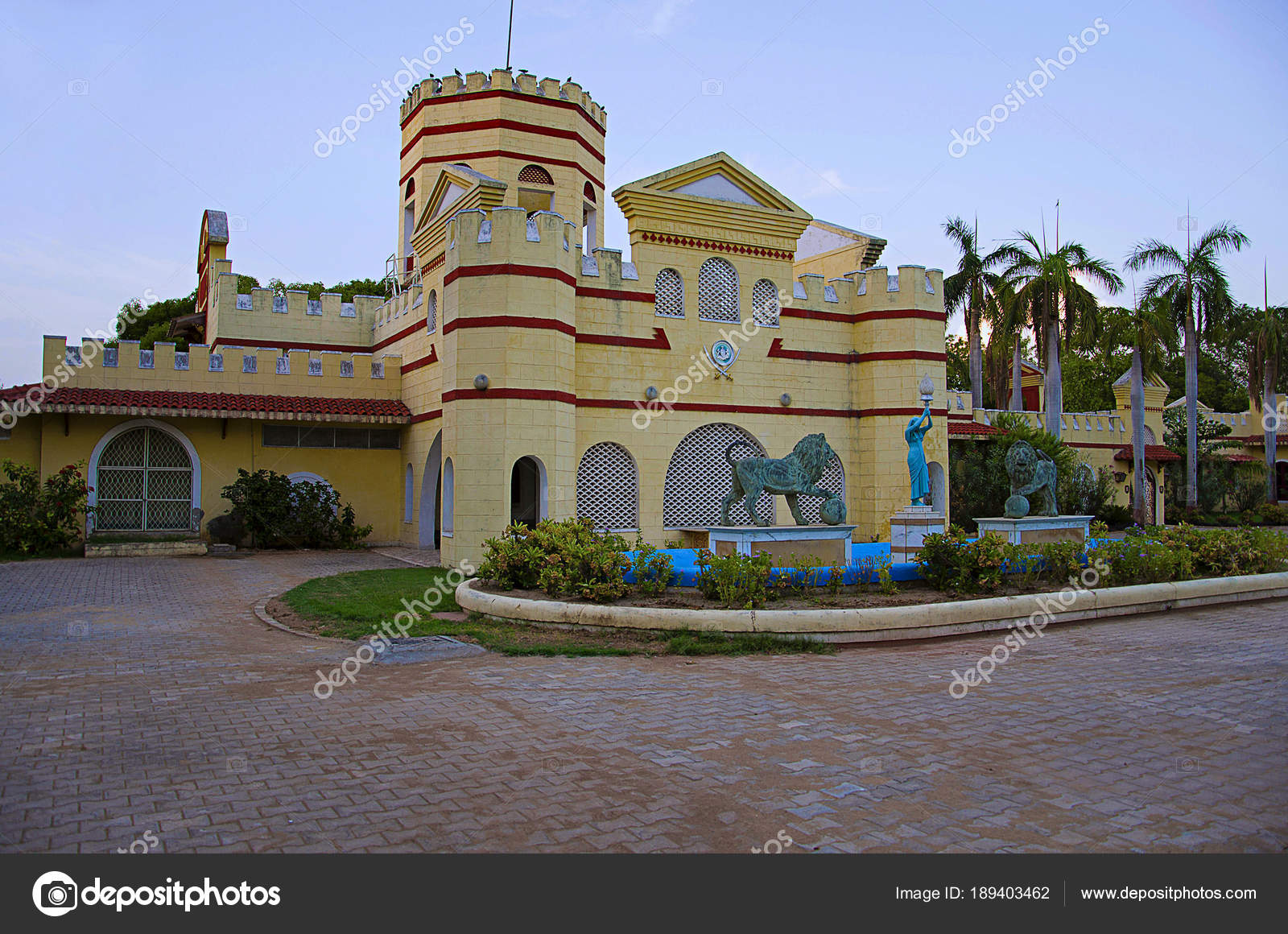 Auto world vintage car museum, Ahmedabad, Gujarat — Stock Photo ...