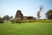 Fotografie Dambal, Bundesstaat Karnataka, Indien. Doddabasappa Tempel