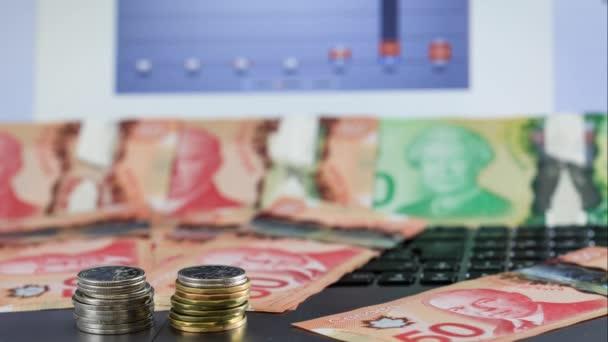 Kanadischer Dollar Münzen Anstieg Auf Einer Tastatur Notebook Video