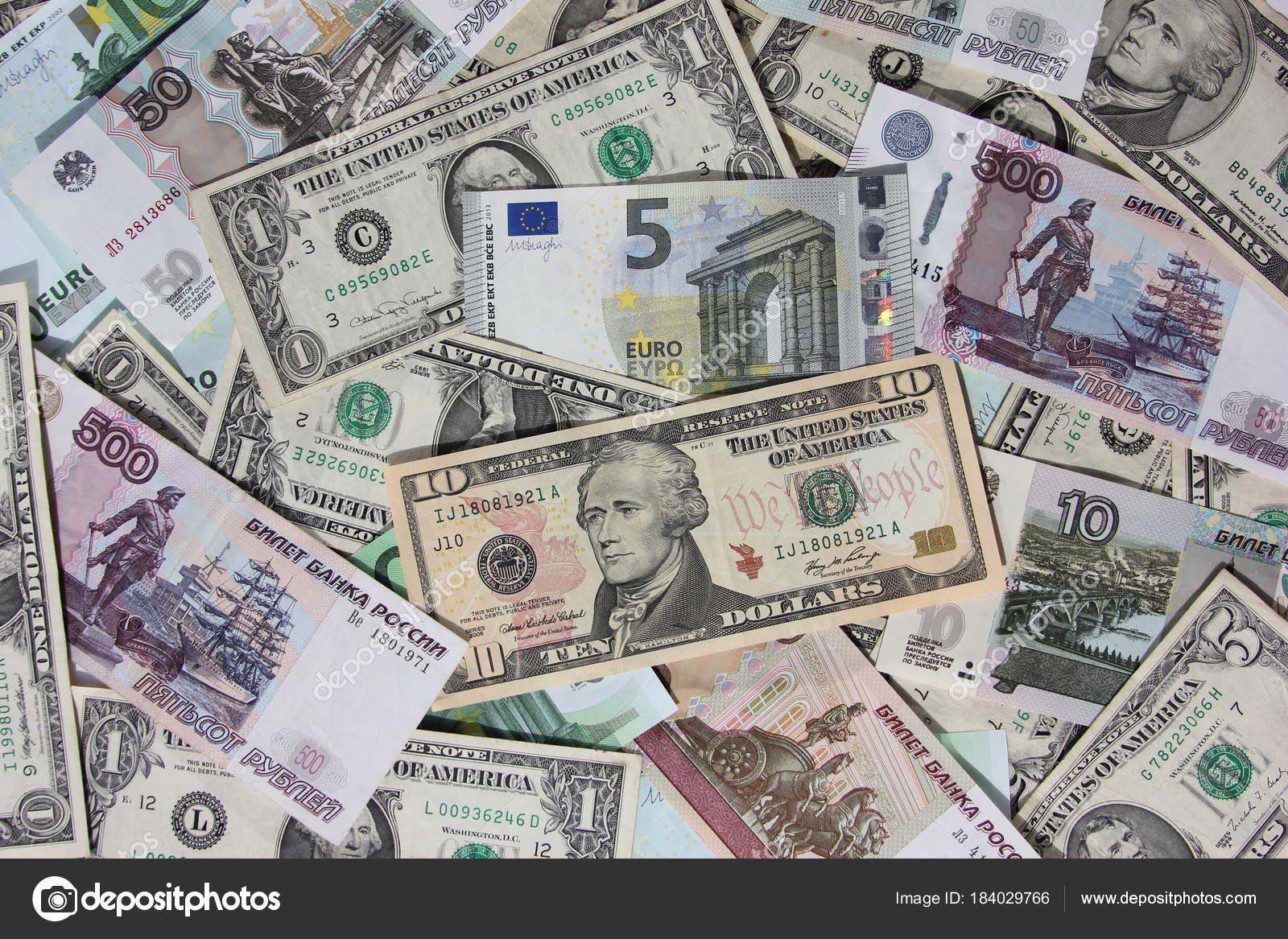 Mucho Dinero Billetes Dólares Euros Rublos Fotos De Stock Ds 13