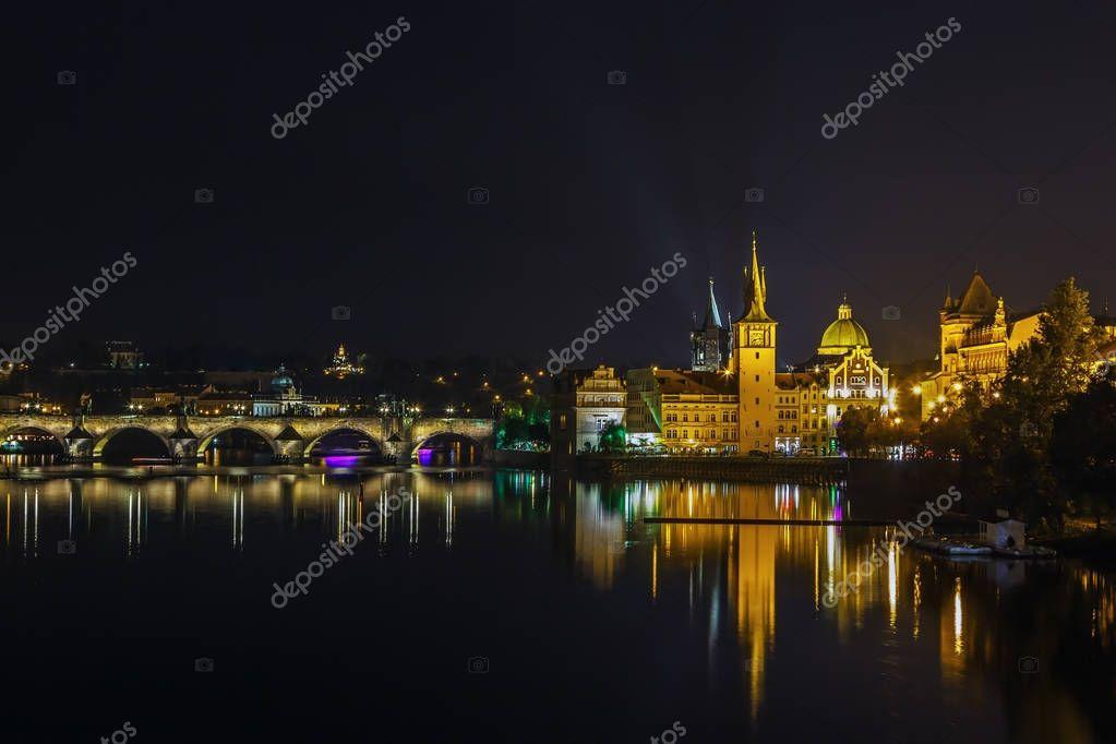 Фотообои вид на Старый город водонапорная башня, Прага