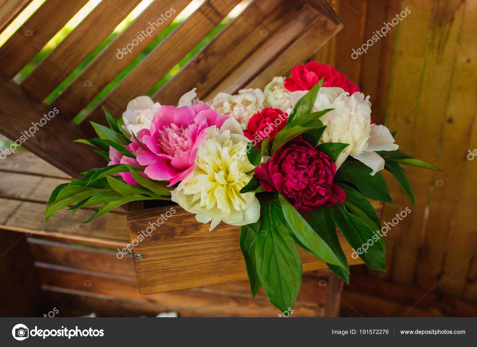 vase a fleurs - composition de la boîte en bois pour cérémonie de