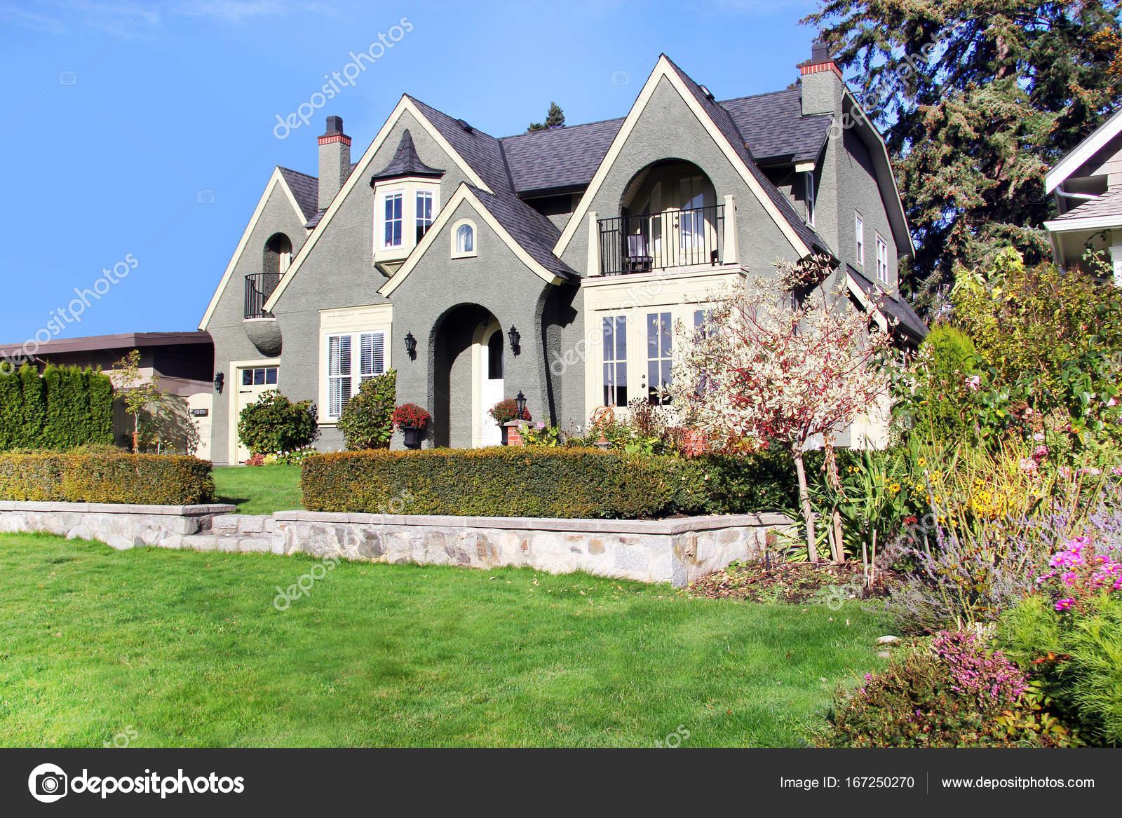 Beautiful House Exterior Stock Editorial Photo C Hannamariah 167250270