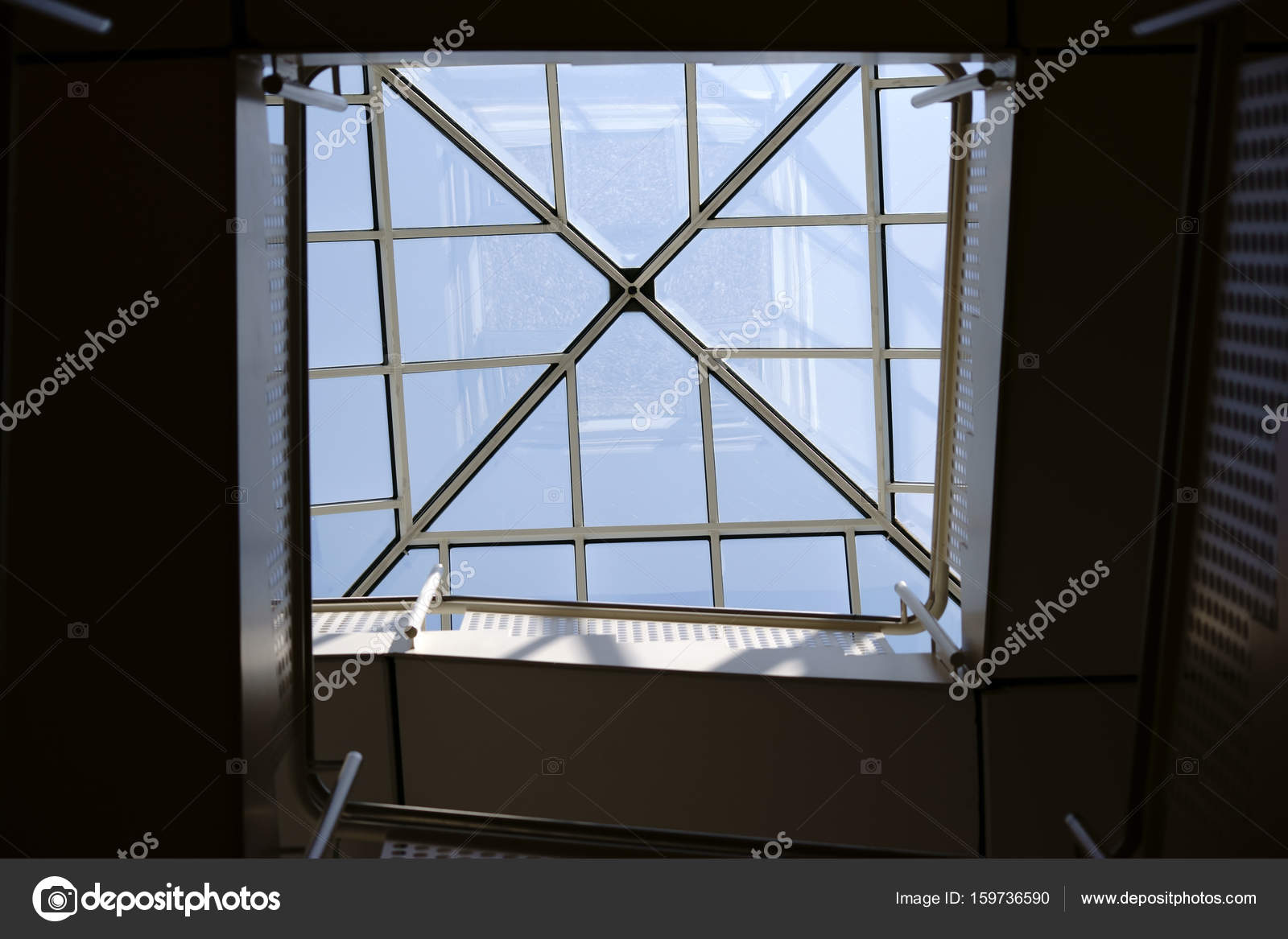 Square Staircase Underview U2014 Stock Photo