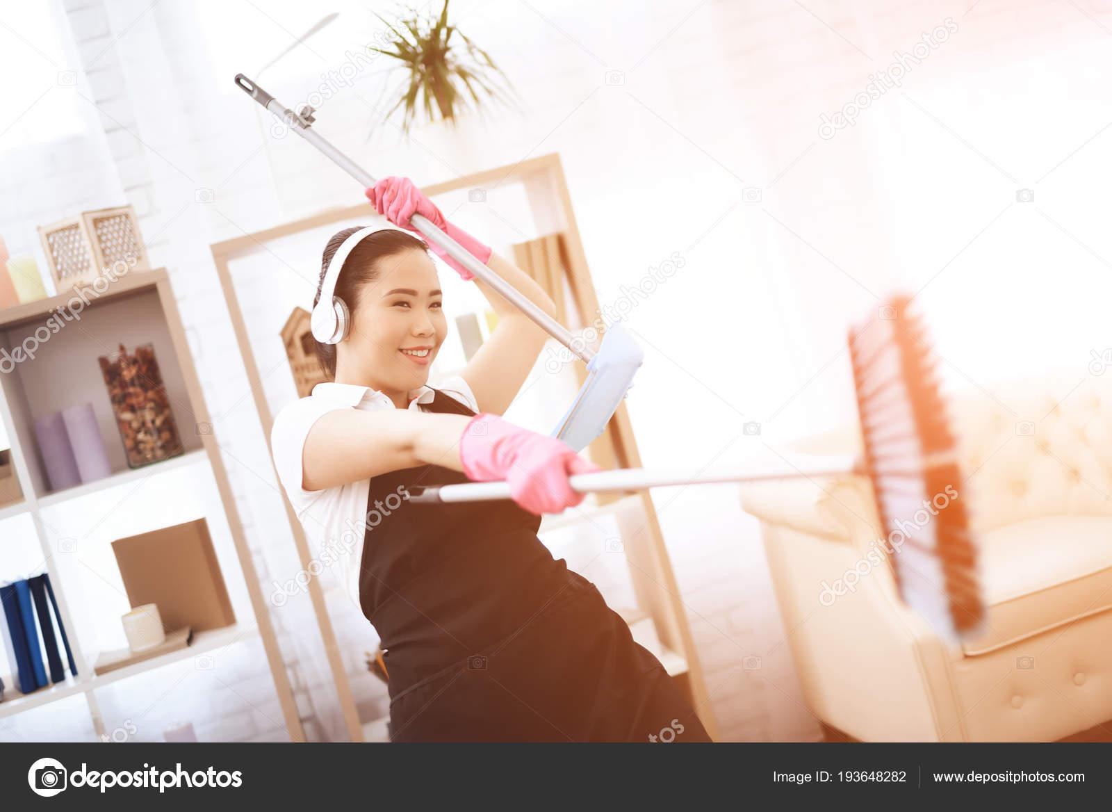 OPHELIA: Asian Housemid