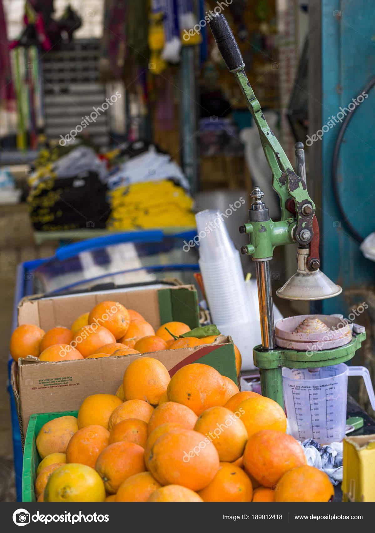 6638888cda Close Barraca Suco Laranja Mercado Safed Distrito Norte Israel — Fotografia  de Stock