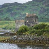 Pohled na hrad Eilean Donan, Eilean Donan, skotské vysočiny, Skotsko