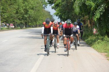 Amateur bike athletes make the most of their efforts in the Bicycle race Charity Trip