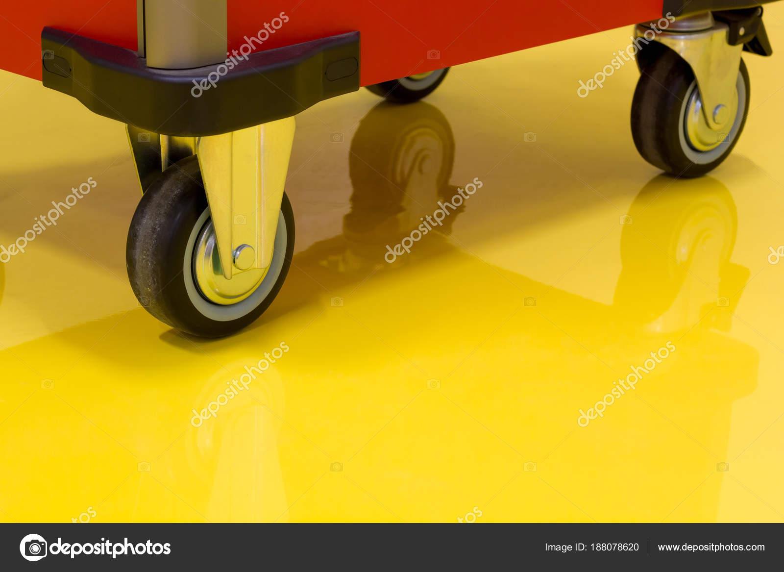 Lade Voor Kast.Wielen Voor Lade Roller Gereedschap Kast Gele Epoxy Vloer