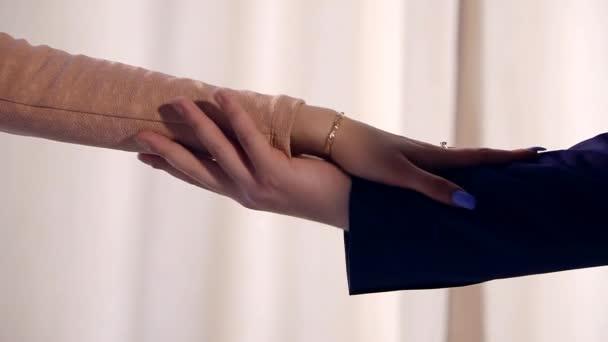 Resultado de imagen para toque hombre y mujer