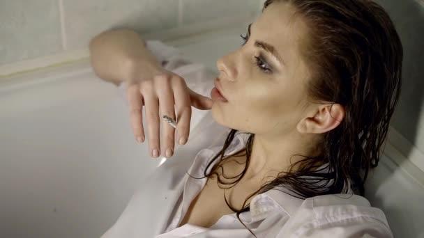 cigaretta szex videók szupermodell leszbikus pornó