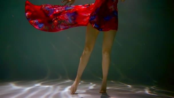 Подводные фото голых женщин — photo 14