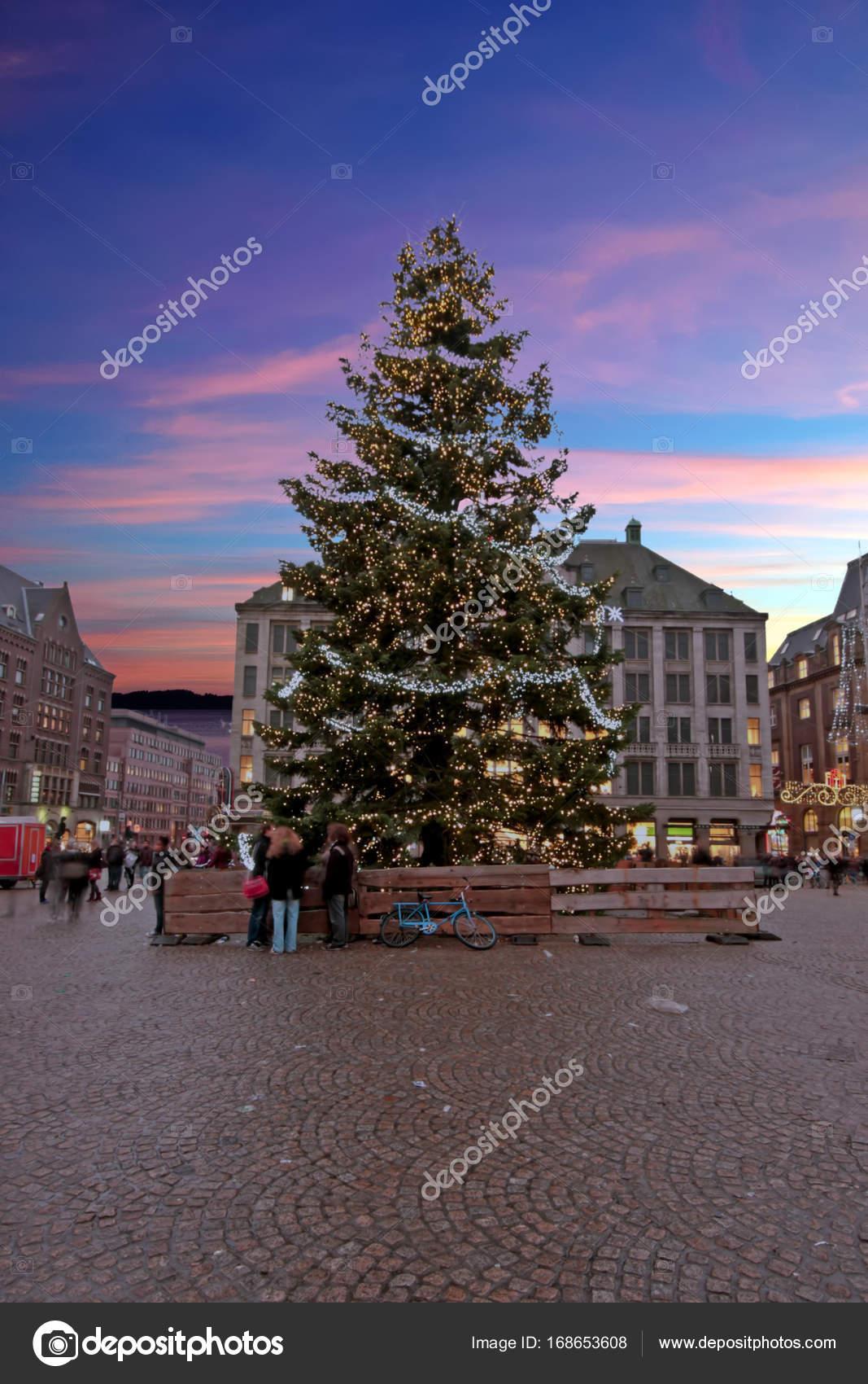 Weihnachten In Amsterdam Am Dam In Den Niederlanden Im Su
