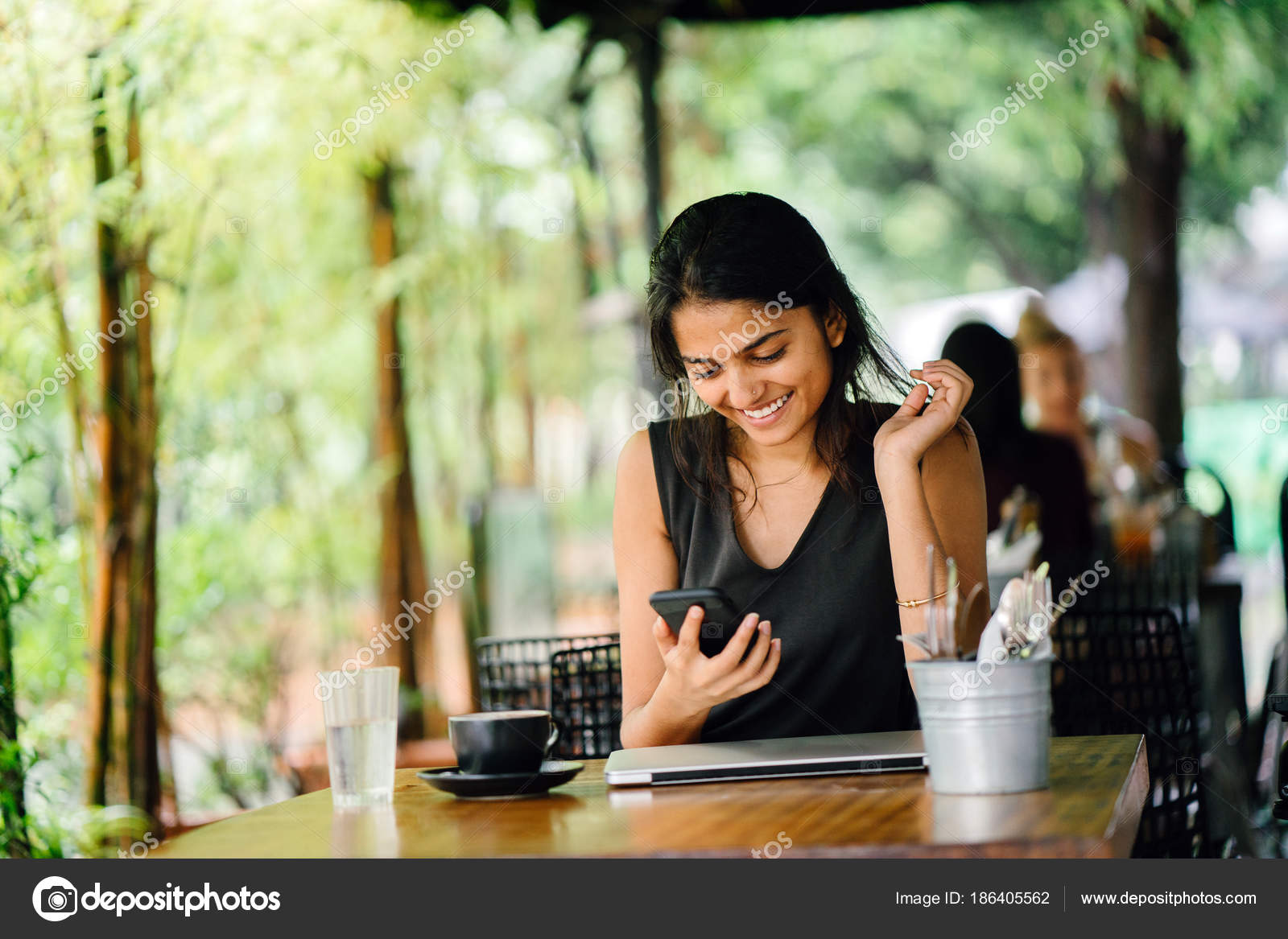 Пизда влагалище откровенное фото индийских женщин