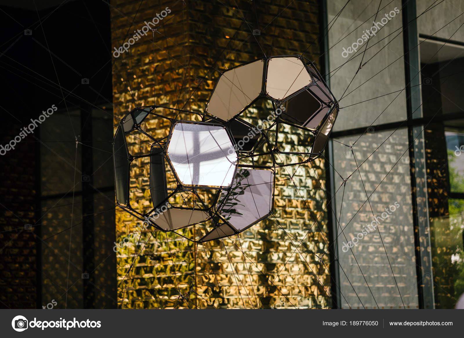 Lampade muro mattoni oro astratto u foto stock mentatdgt