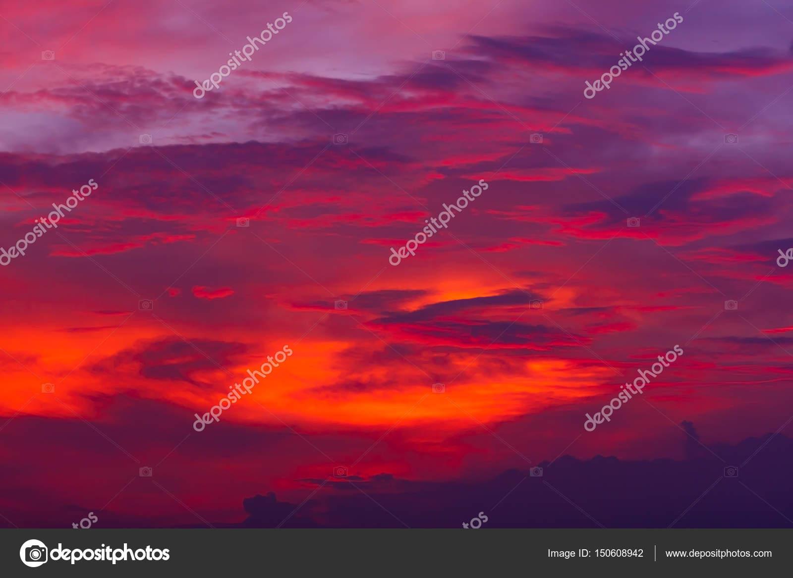 Cielo Rosso Di Notte.Priorita Bassa Della Natura Cielo Rosso Di Notte E Nuvole Bello E