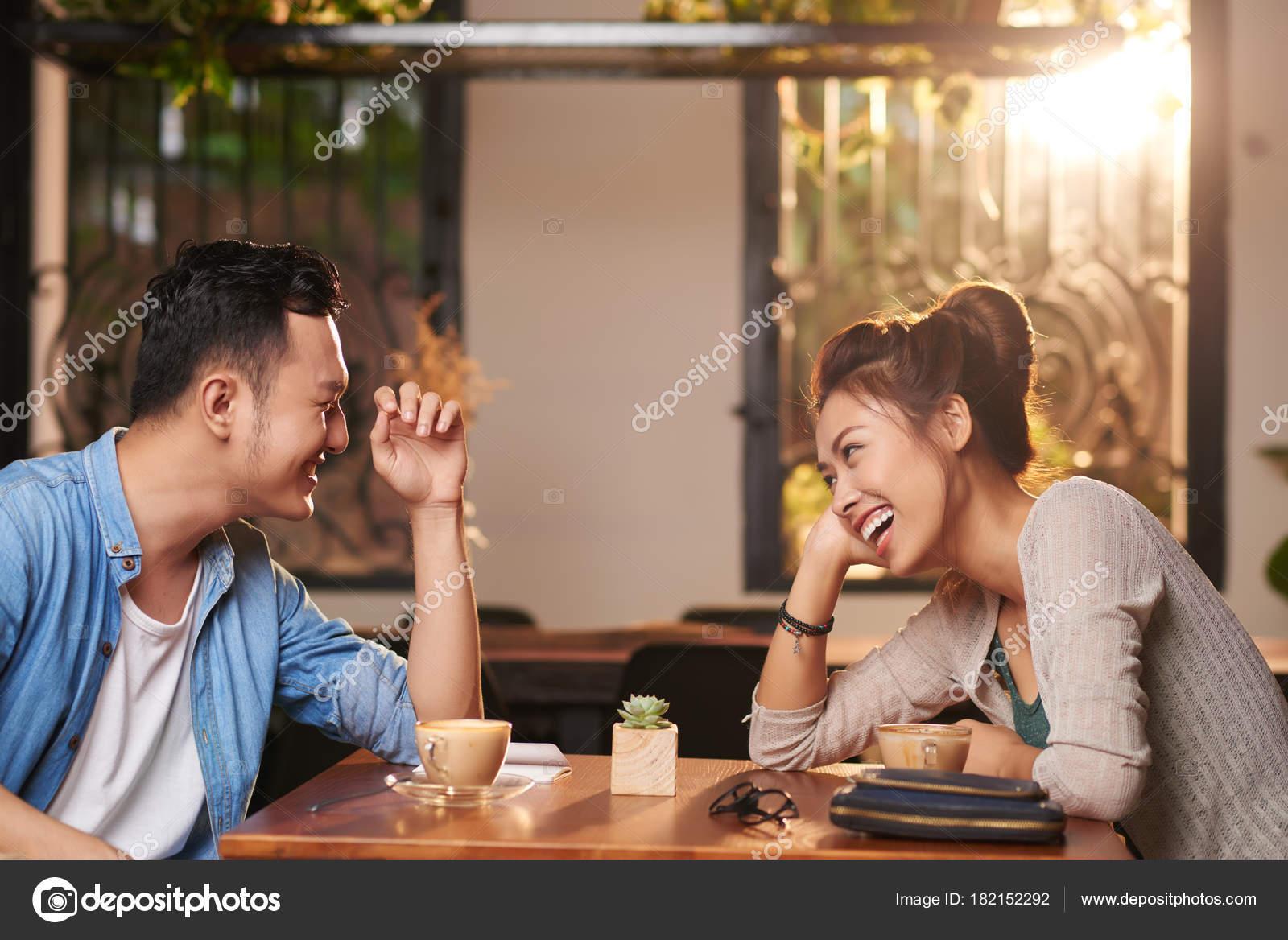 Dating βιετναμέζικο κορίτσι online dating κοστενλός Βερολίνο