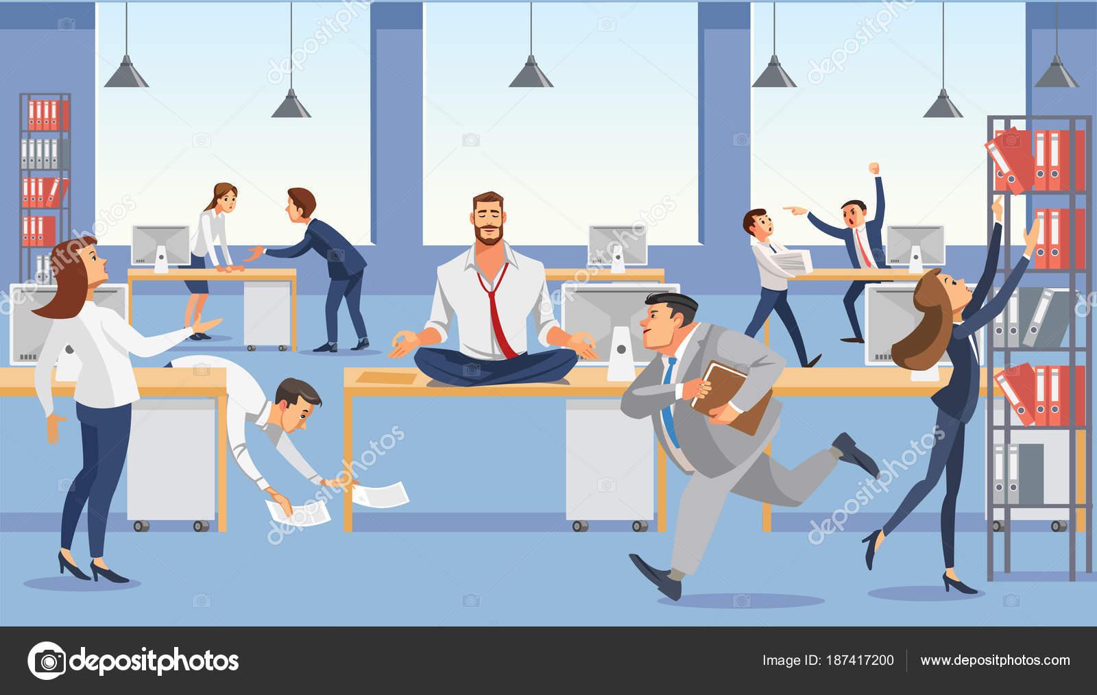 Geschaftsmann Auf Tisch Im Buro Sitzen Calp In Meditation