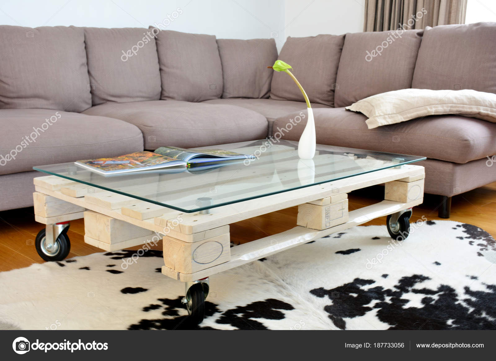 - Images: Pallet Coffee Table Pallet Coffee Table In Modern Living