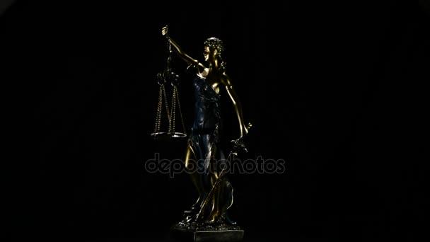 Lady igazságügyi kép gyrating fekete háttér