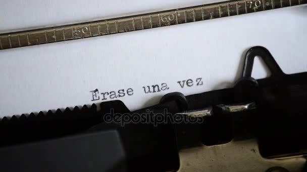 Typický výraz Erase una vez s staré ruční psací stroj