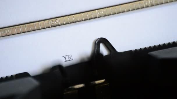 Zadání výrazu Ano staré ruční psací stroj