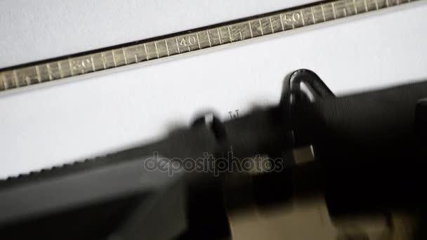 Írja be a kifejezést Web 3.0 egy régi kézi írógép
