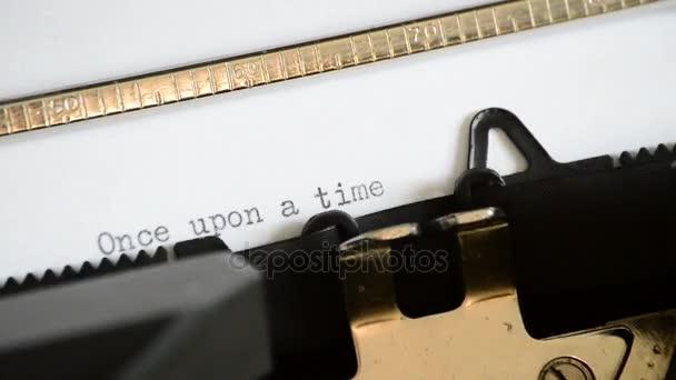 Zadání výrazu kdysi dávno staré ruční psací stroj