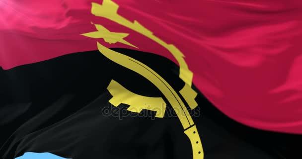 Angolai lobogóra integetett a szél lassan kék ég, hurok