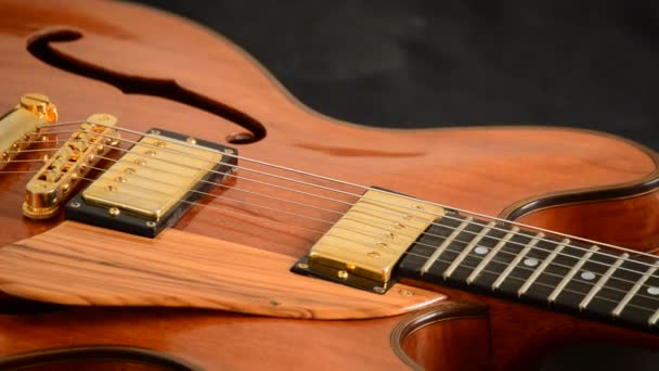 Jazz gitár forgó