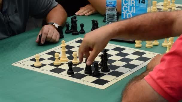 šachová utkání práce pro datování webové stránky