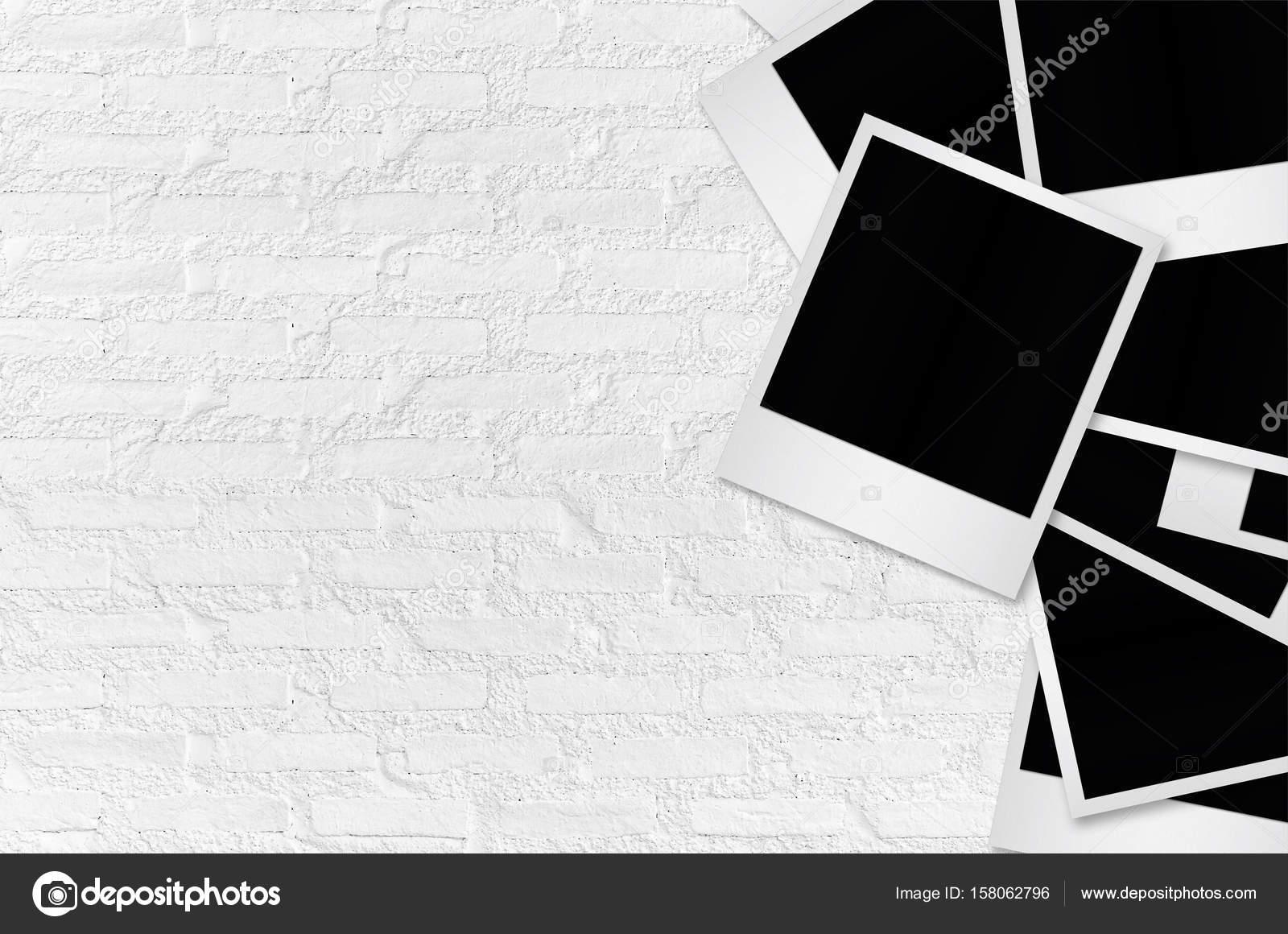 Marcos en blanco con pinzas para la ropa — Foto de stock © nirutdps ...