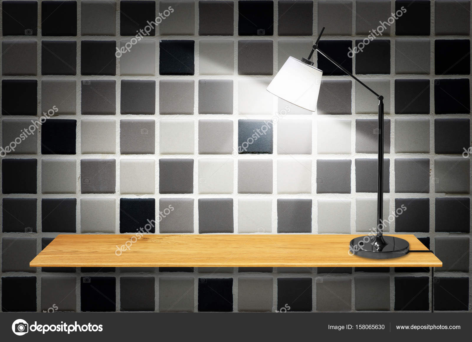 lamp op houten boekenkast — Stockfoto © nirutdps #158065630