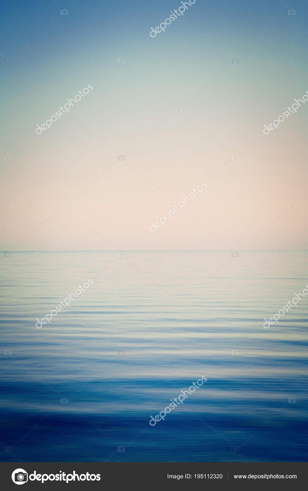 Mare E Cielo Di Sfondo Molto Calmo Foto Stock Travellinglight