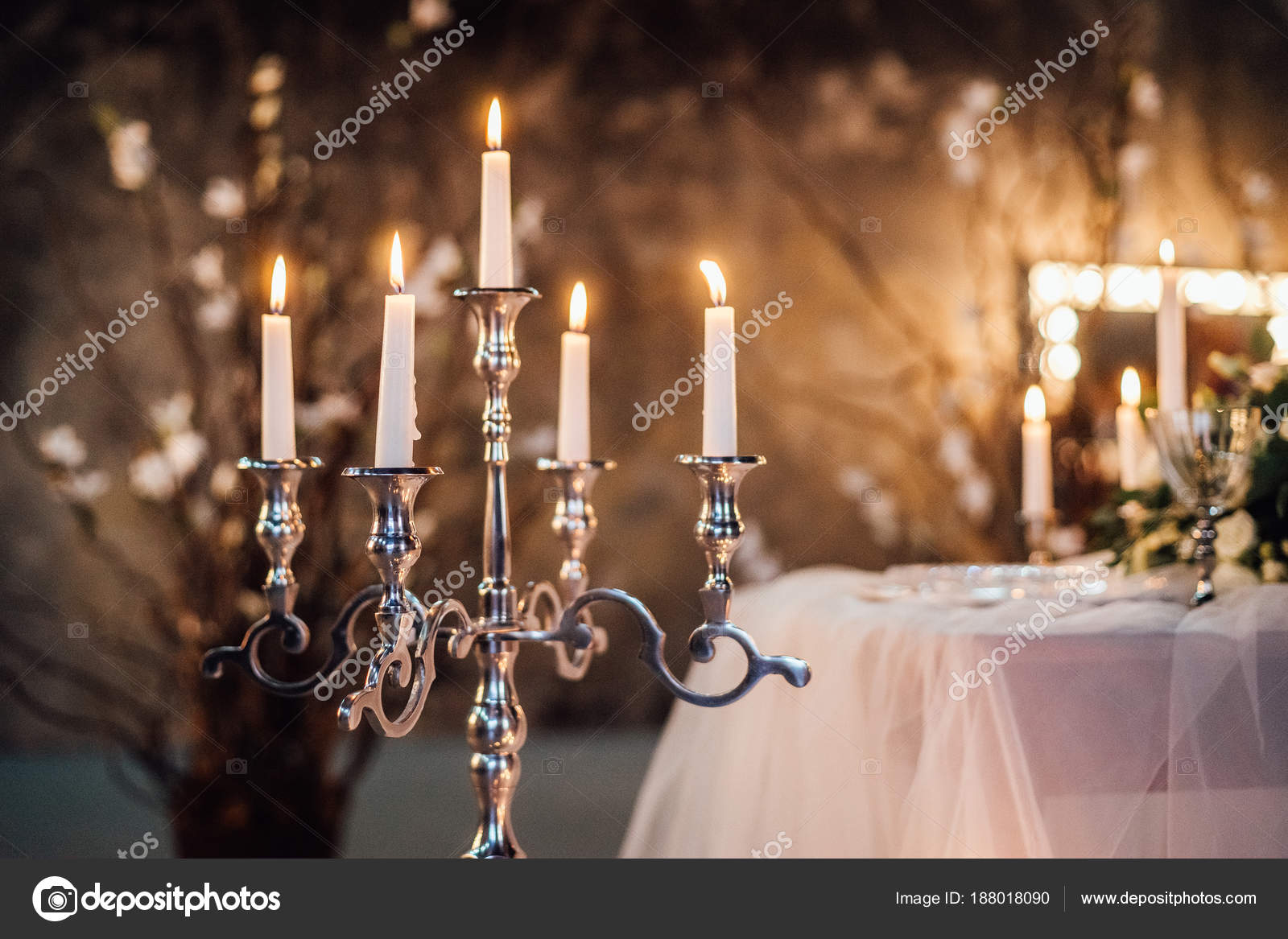 Photo Outdoor Restaurant Table Setting Wedding Flowers Burning - Restaurant table candles