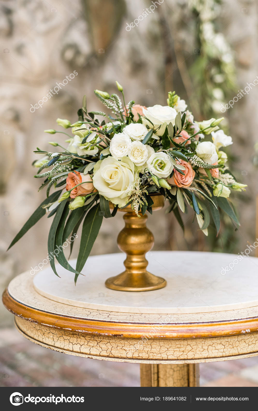 Decoration Florale Mariage Avec Des Fleurs Fraiches Pastels Sur