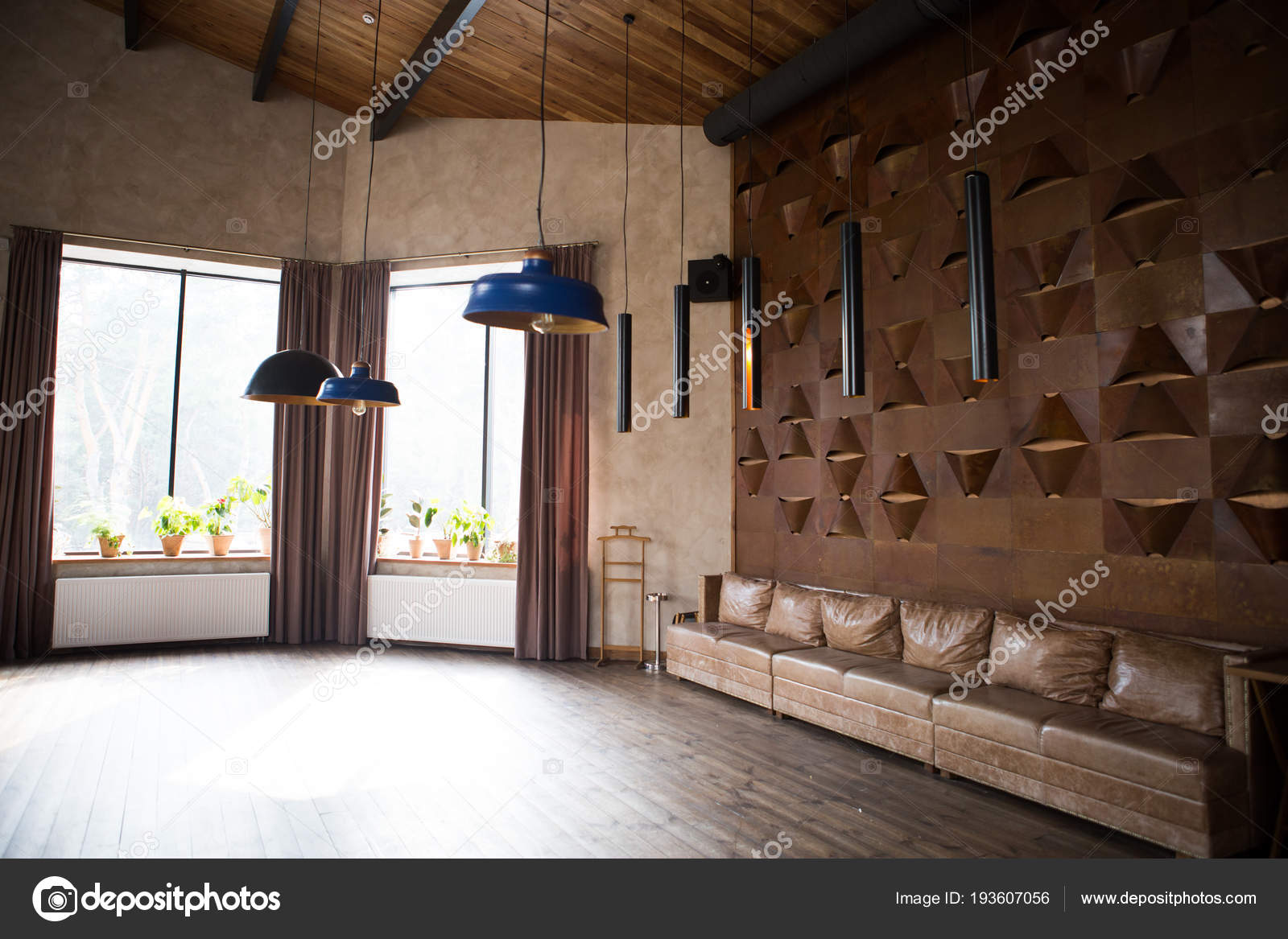 https://st3.depositphotos.com/16595328/19360/i/1600/depositphotos_193607056-stock-photo-interior-in-loft-style-high.jpg
