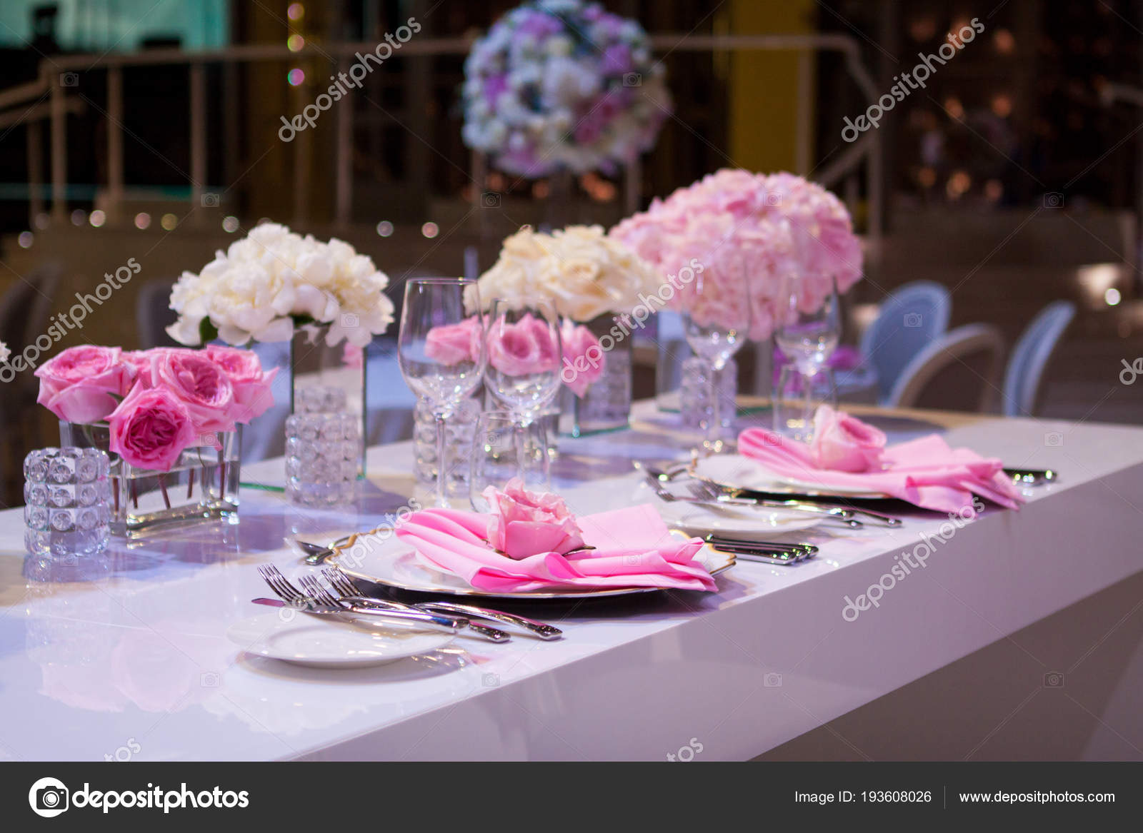 Magnificent Beautiful Table Setting With A White Tablecloth And Pink Interior Design Ideas Oxytryabchikinfo
