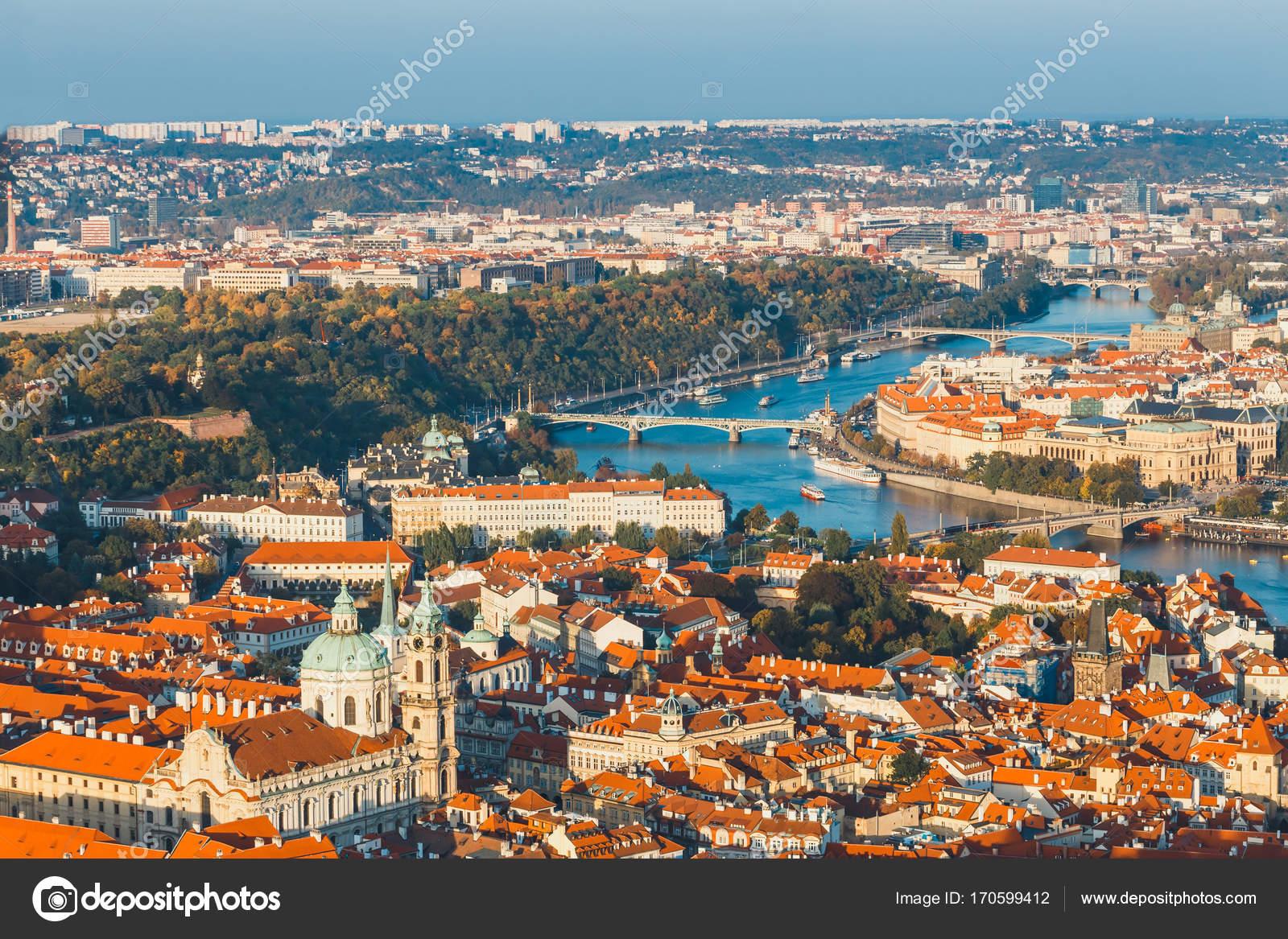 Antenne bekijken van de oude stad in praag tsjechische republiek