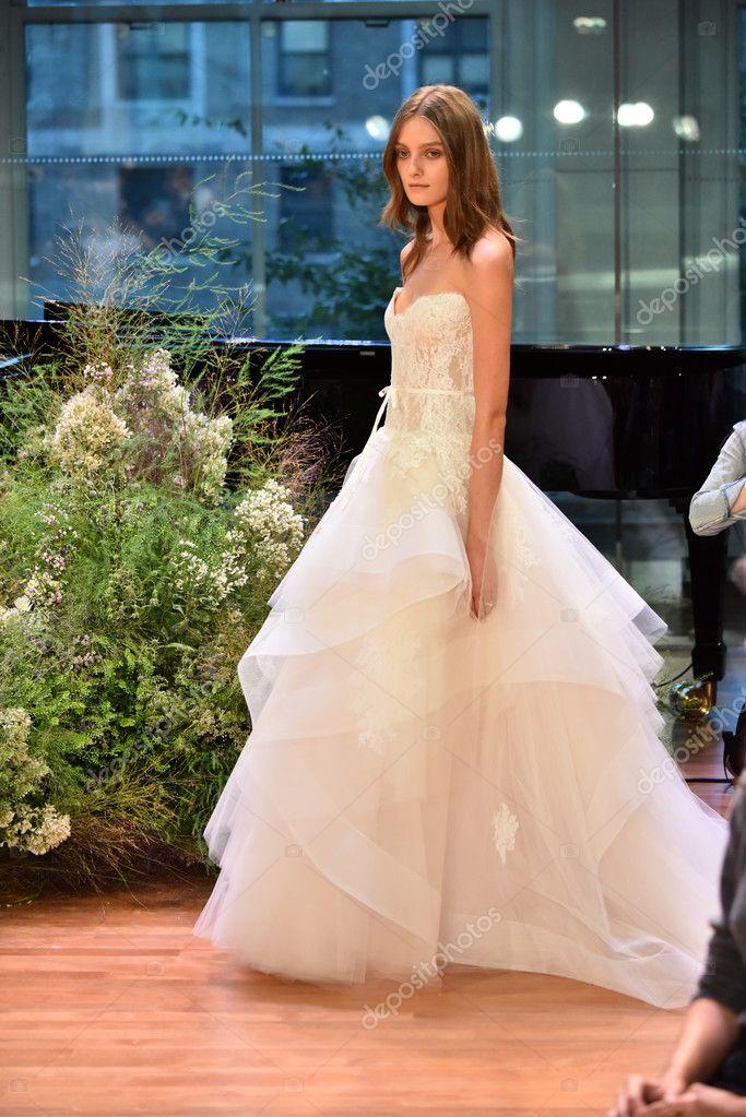 Großartig Monique Lhuillier Verwendet Kleid Hochzeit Fotos ...
