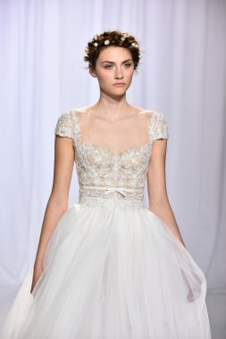 Reem Acra Fall 2017 Bridal collection show
